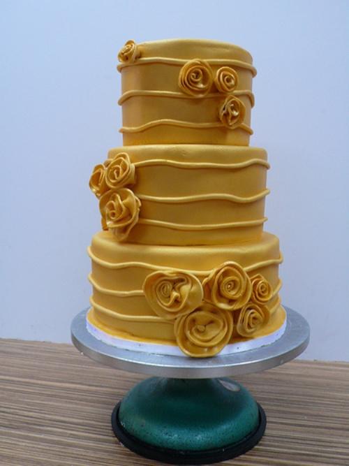 decoracao casamento vermelho e dourado:Decoração de festa de casamento em tons de vermelho e dourado
