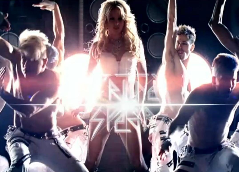 http://2.bp.blogspot.com/-7GEWQYw1d9I/TV3kYNixaOI/AAAAAAAABDo/cdir8OWuxKc/s1600/Britney%2BHIAM%2Bstill.jpg