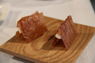 Bocadillo crujiente de quesos asturianos. Rte. Casa Gerardo.
