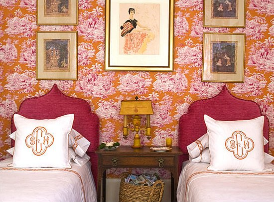 Bedroom Decorating Ideas Totally Toile: Antique Homes And Lifestyle: Presenting Wallpaper
