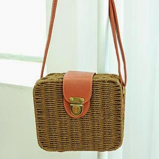 Buckled Straw Shoulder Bag