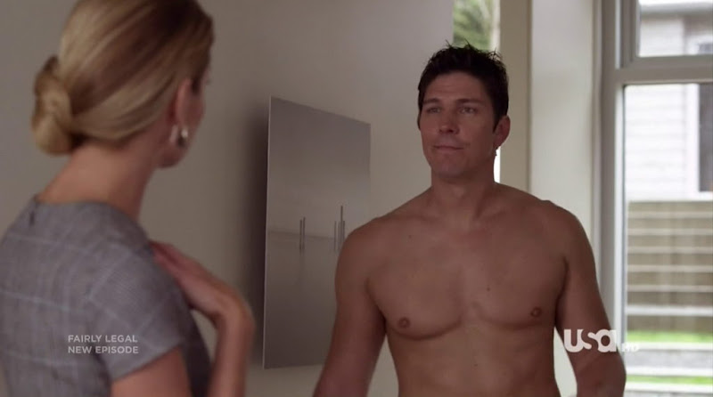 Michael Trucco Shirtless in Fairly Legal s2e11