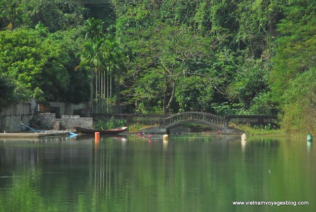 Voyage au Suoi Yen, Pagode Huong