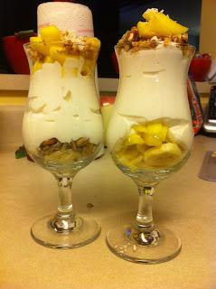 healthier, fitter ME!: Coconut Mango Yogurt Parfait