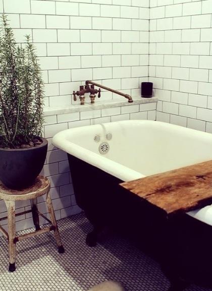 Ideas Baños Rectangulares:Me encantan las baldosas rectangulares, tanto para baños como para