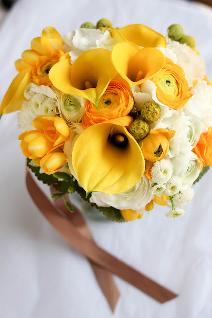 yellow calla lily bouquet