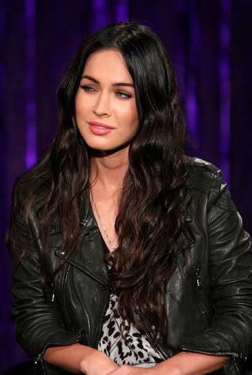 Wedding Bride Megan Fox Wears Gorgeous Wavy Hairstyle