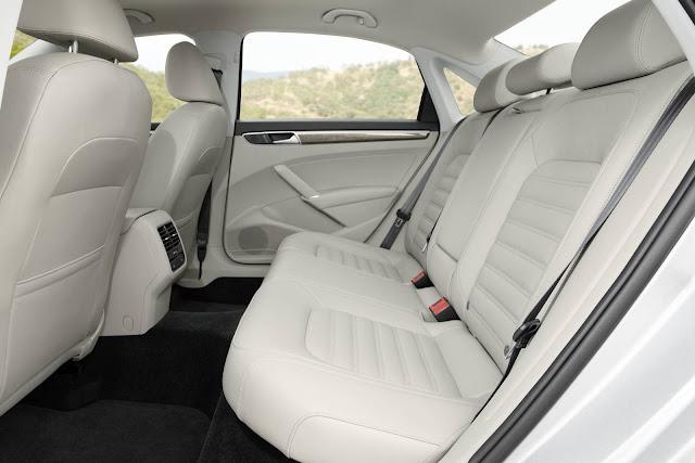 VW Passat 2016 - espaço traseiro