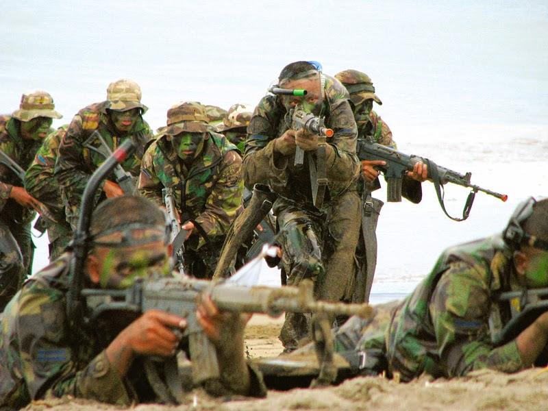PT Pindad Kembangkan Senjata SS1 Marinir