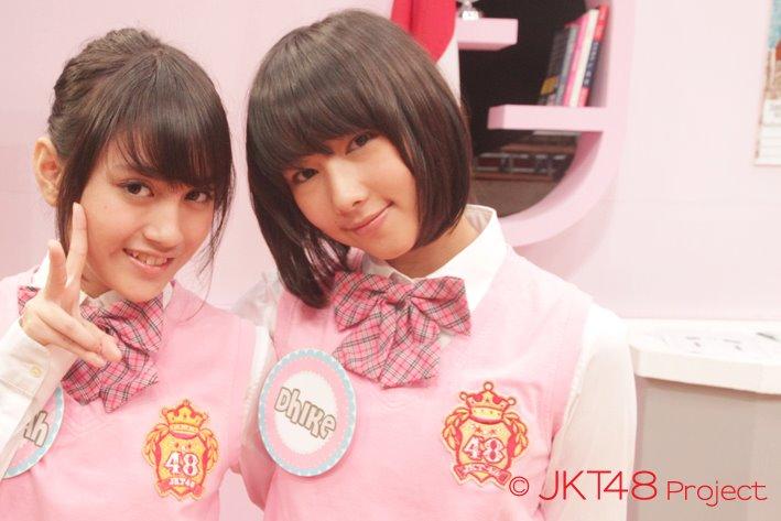 Nabilah JKT48 dan Dhike JKT48 [ JKT48 SCHOOL ]