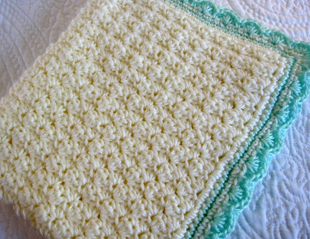 Free Crochet Pattern For Blanket Edging : Modern Grace Design: Baby Blanket :: Free Pattern