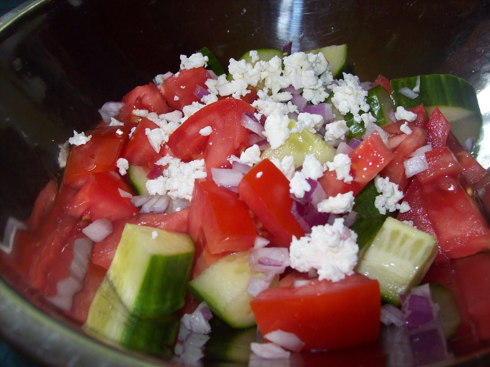 Easy Tomato Feta Salad Recipe