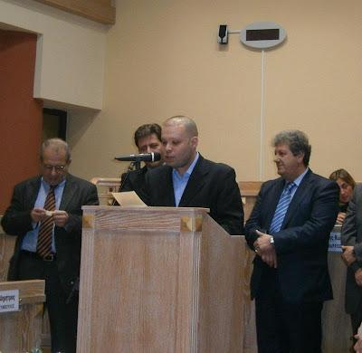 Ο Αιμίλιος Βουγιουκλάκης (πρόεδρος του Συμβ.Νέων Δήμου Γλυφάδας)  καλεσμένος στο Kontra channel.
