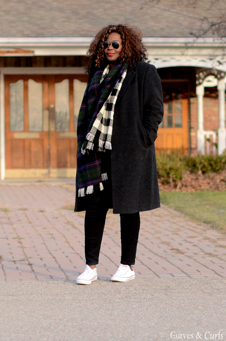 Plus size fashion blogger wearing a boyfriend Coat. #mycurvesandcurls #Assacisse #plussize #fashion