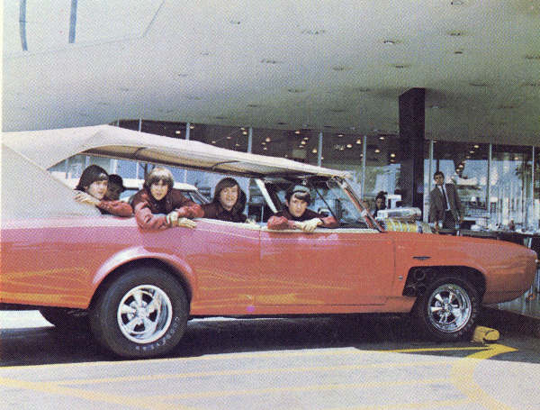 The Monkees And The Monkeemobile