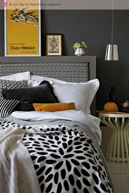 35-inspirasi-desain-ruang-tidur-bernuansa-hitam-putih-026