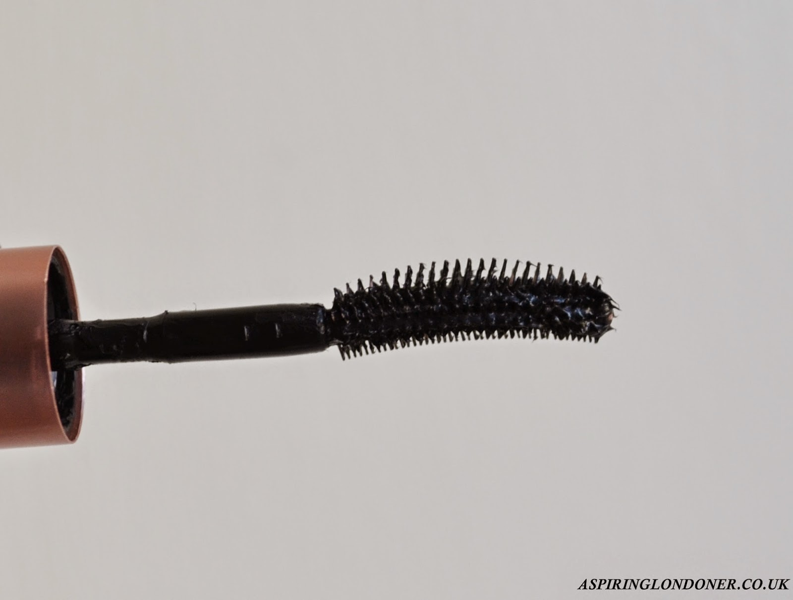 Benefit Cosmetics Roller Lash Mascara Wand Review - Aspiring Londoner