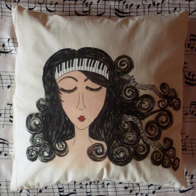 malovaný povlak na polštář