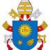 Il nuovo stemma del papa e il cambiamento dalla stella a 5 punte a quella a 8 punte.