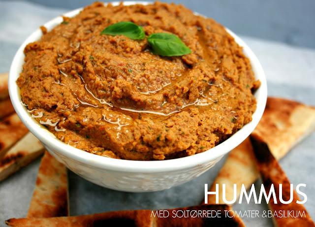 Hummus med soltørrede tomater og basilikum - Mit livs kogebog