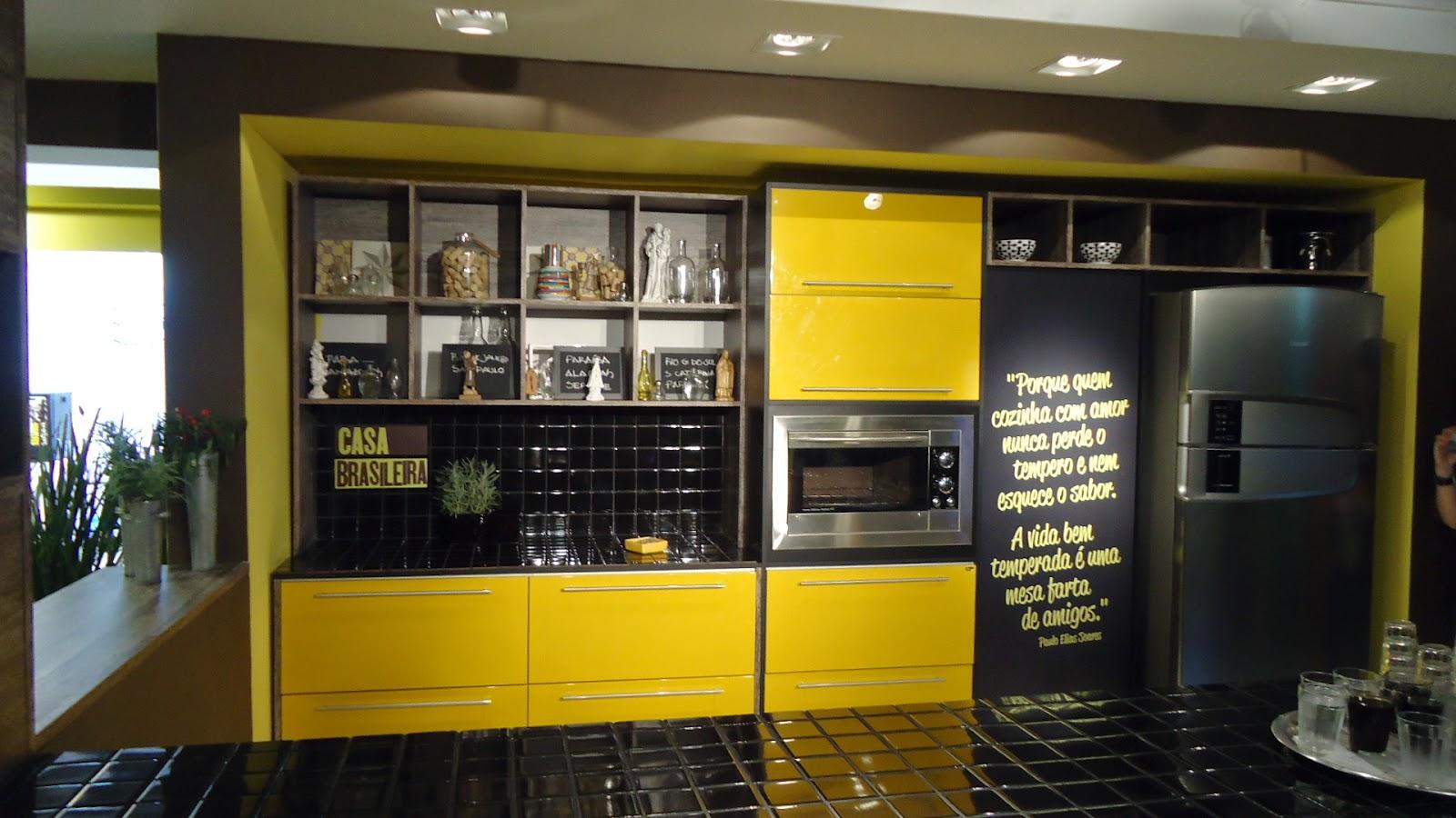 Cozinha da nova linha de móveis planejados da Unicasa a marca CASA  #BF9A08 1600 900