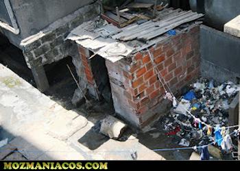 lixo no prédio 717