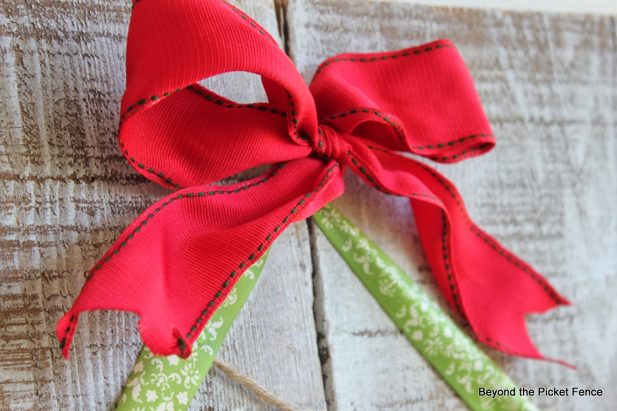 Beyond the picket fence 12 days of christmas day 4 for Red ribbon around tree