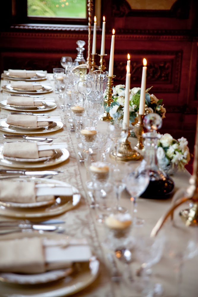Golden glamour winter wedding table decor