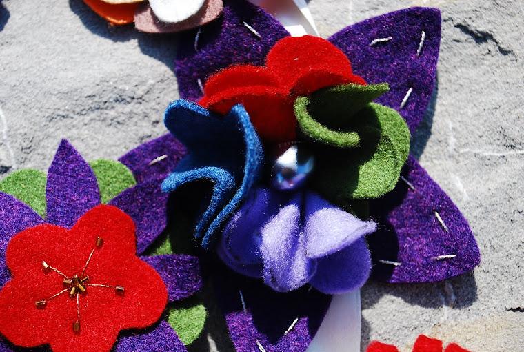 spilla fiori di feltro realizzata da me