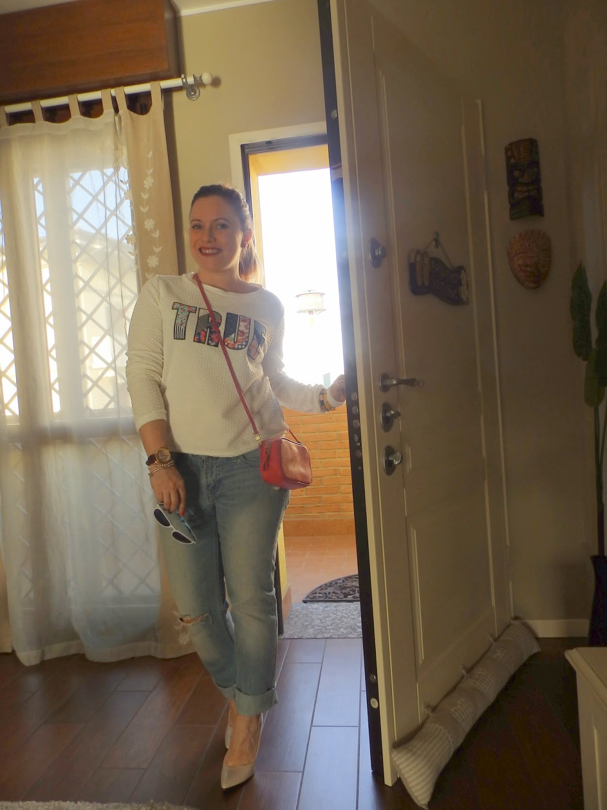 fashion blog, fashion blogger, purses in the kitchen, outfit post, felpa con scritta, stradivarius, zara, Excape, occhiali da sole camo, mini bag, orologio Millelire, Millelire, Forever 21, Levis, boyfriend jeans,