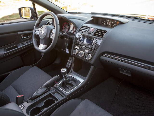 Novo Subaru WRX 2015 - interior