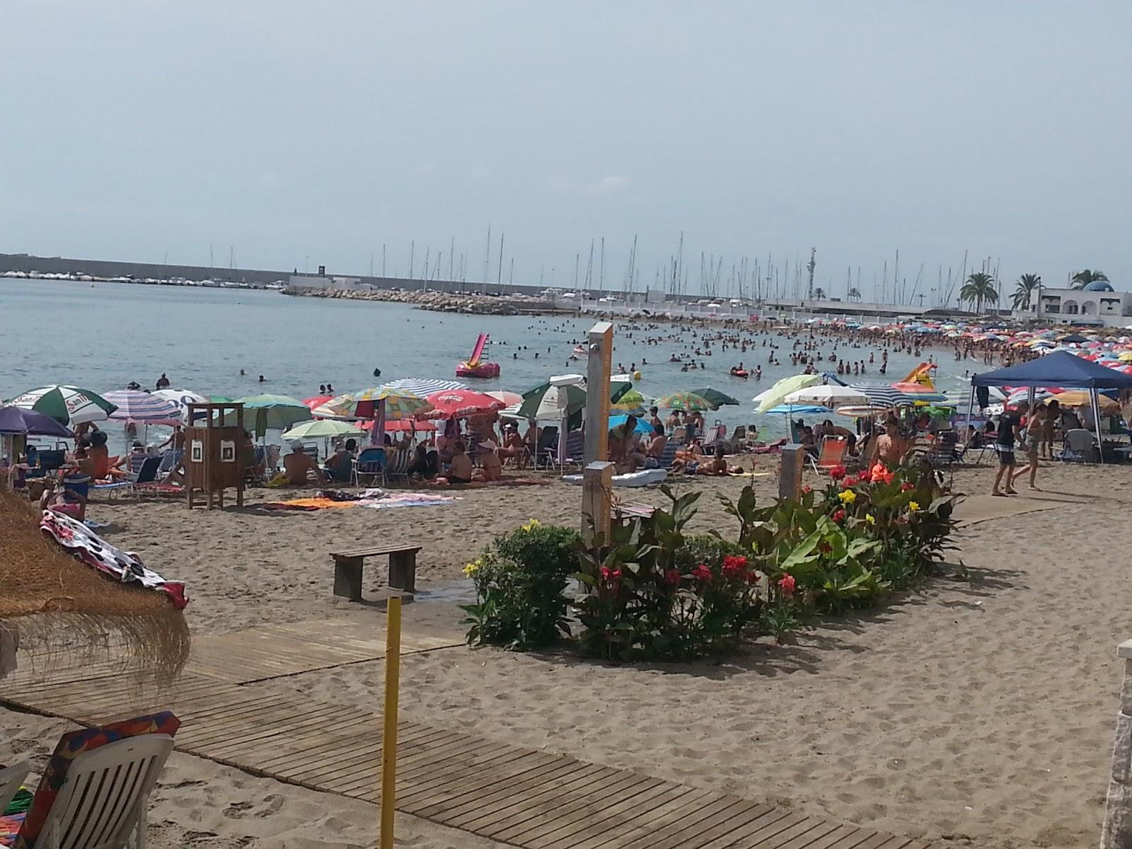 Asociaci n de mayores el tamujar silillos playa de for Piscina municipal chipiona
