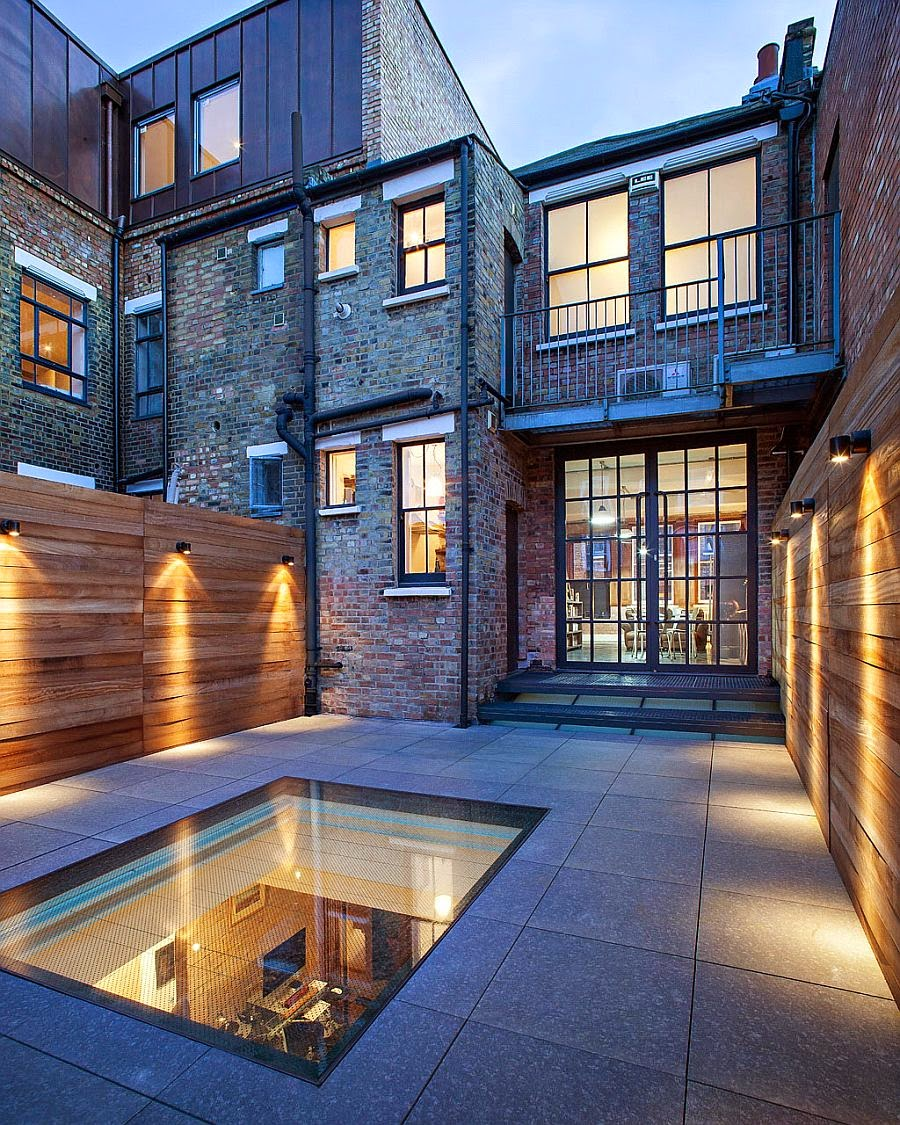 Nifty Warehouse Conversion in London Wraps Modernity in Rich Heritage