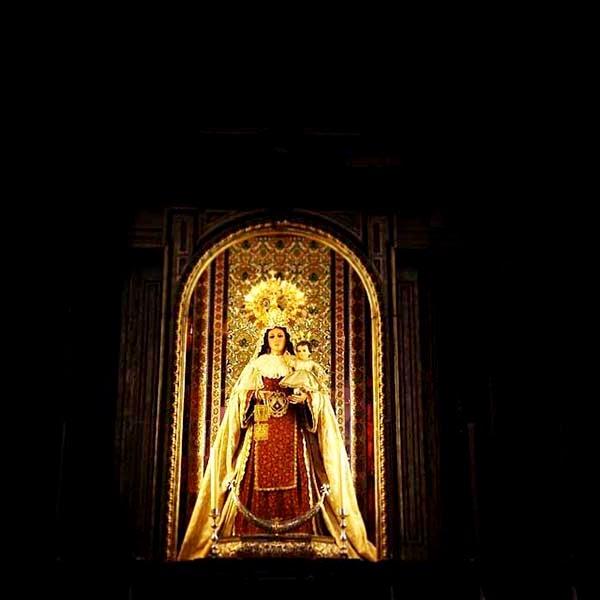 """Desde ese día la imagen de la  Virgen del Carmen con el Niño  Jesús en los brazos """"se grabaron  en su corazón"""" y guardando  """"de forma egoísta, este Secreto  en su corazón."""""""