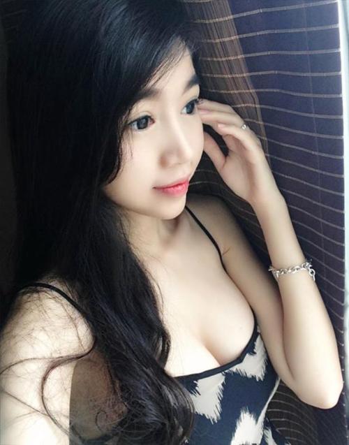 30 Hot girls với bộ ngực siêu bưởi 9
