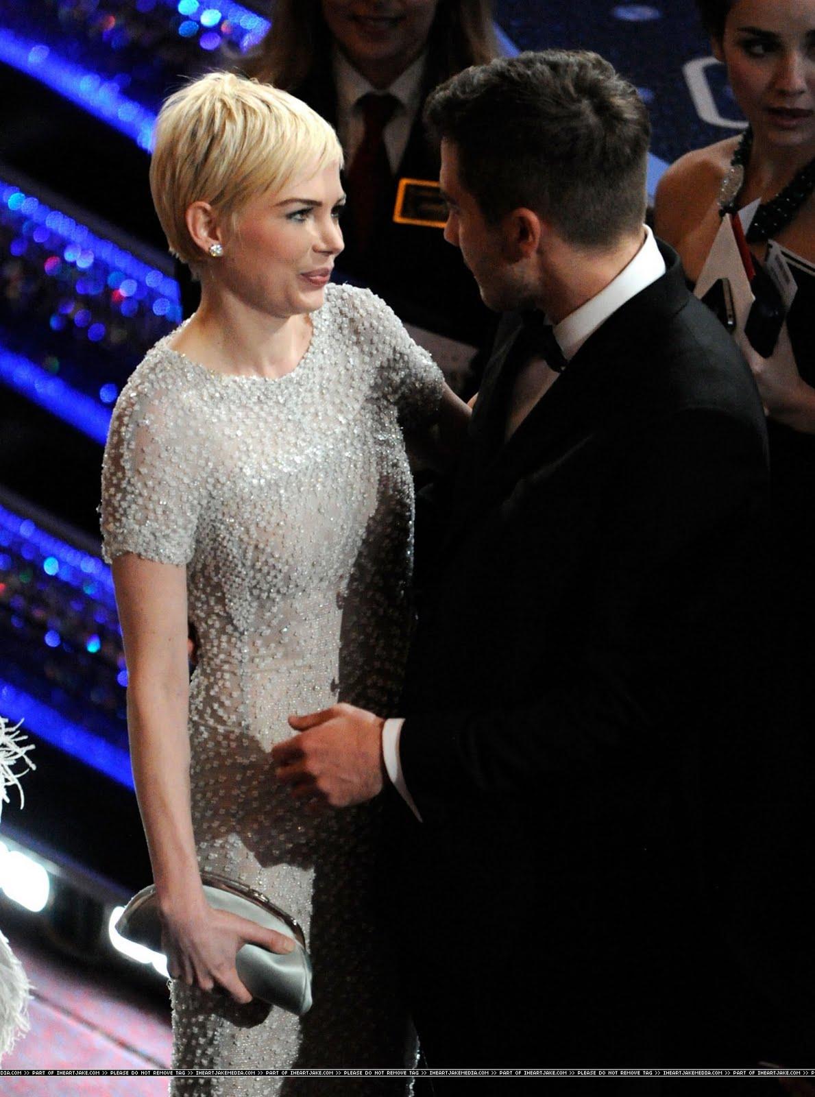 Mais fotos da Michelle no Oscar Aqui  Jake Gyllenhaal And Michelle Williams