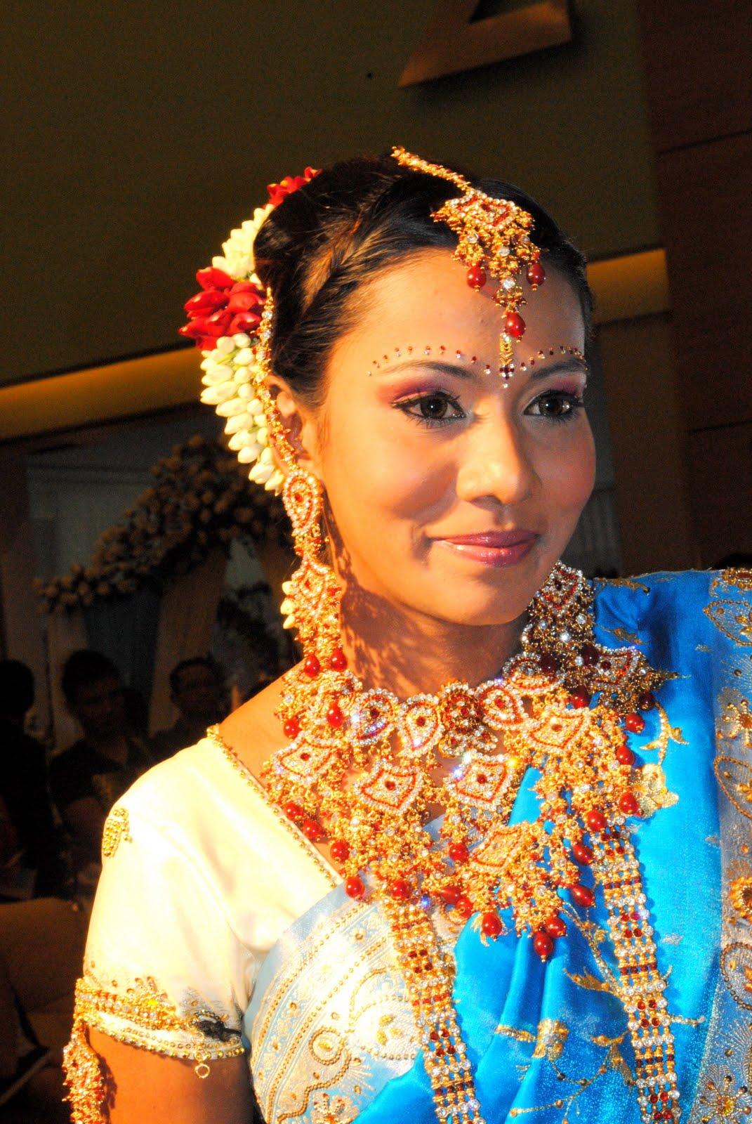 Home    Reena Shah    Reena Shah   Makeup Artist  MASTER FINAL   BRIDE