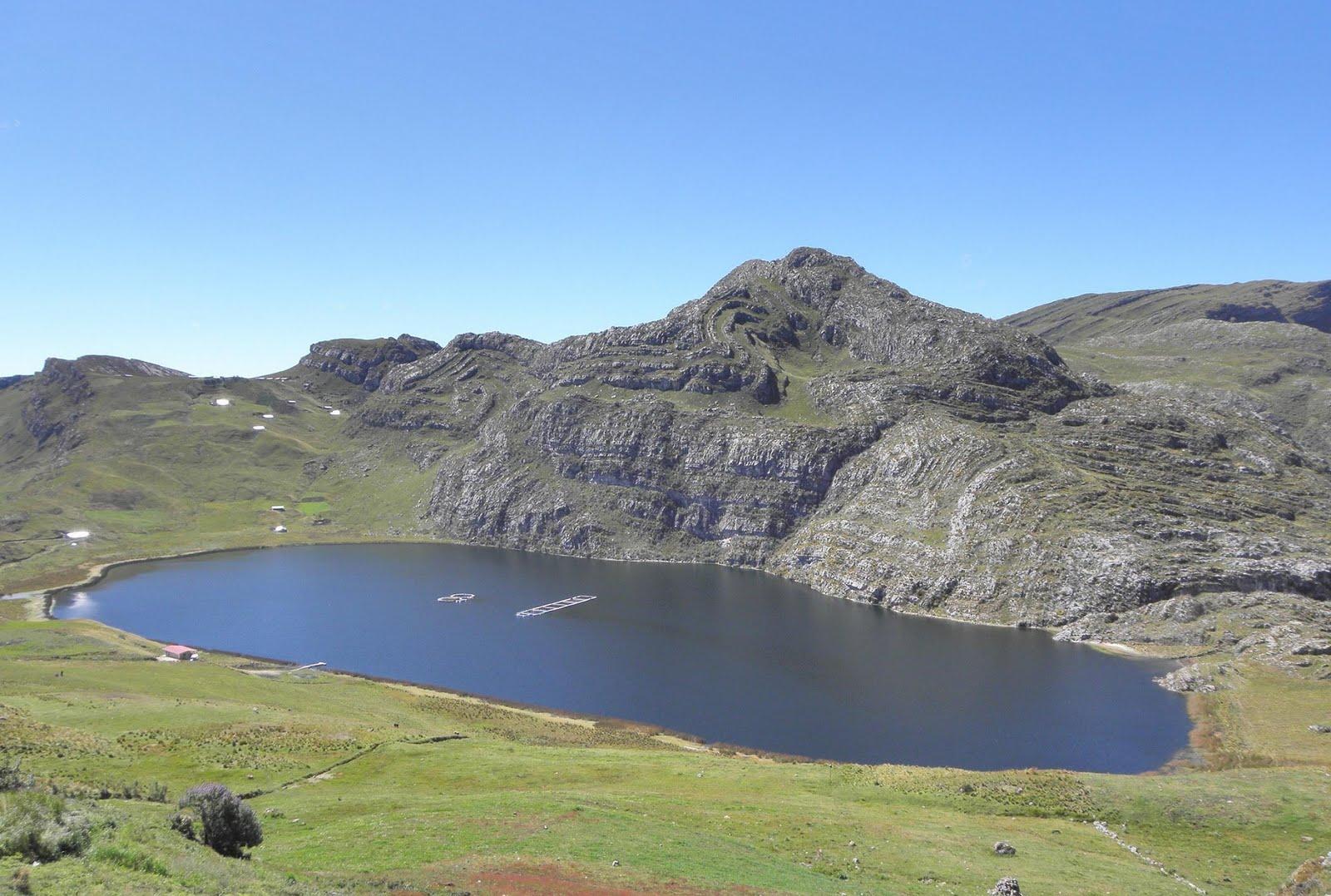 Bellas lagunas de cajamarca en peligro for Lagunas artificiales construccion