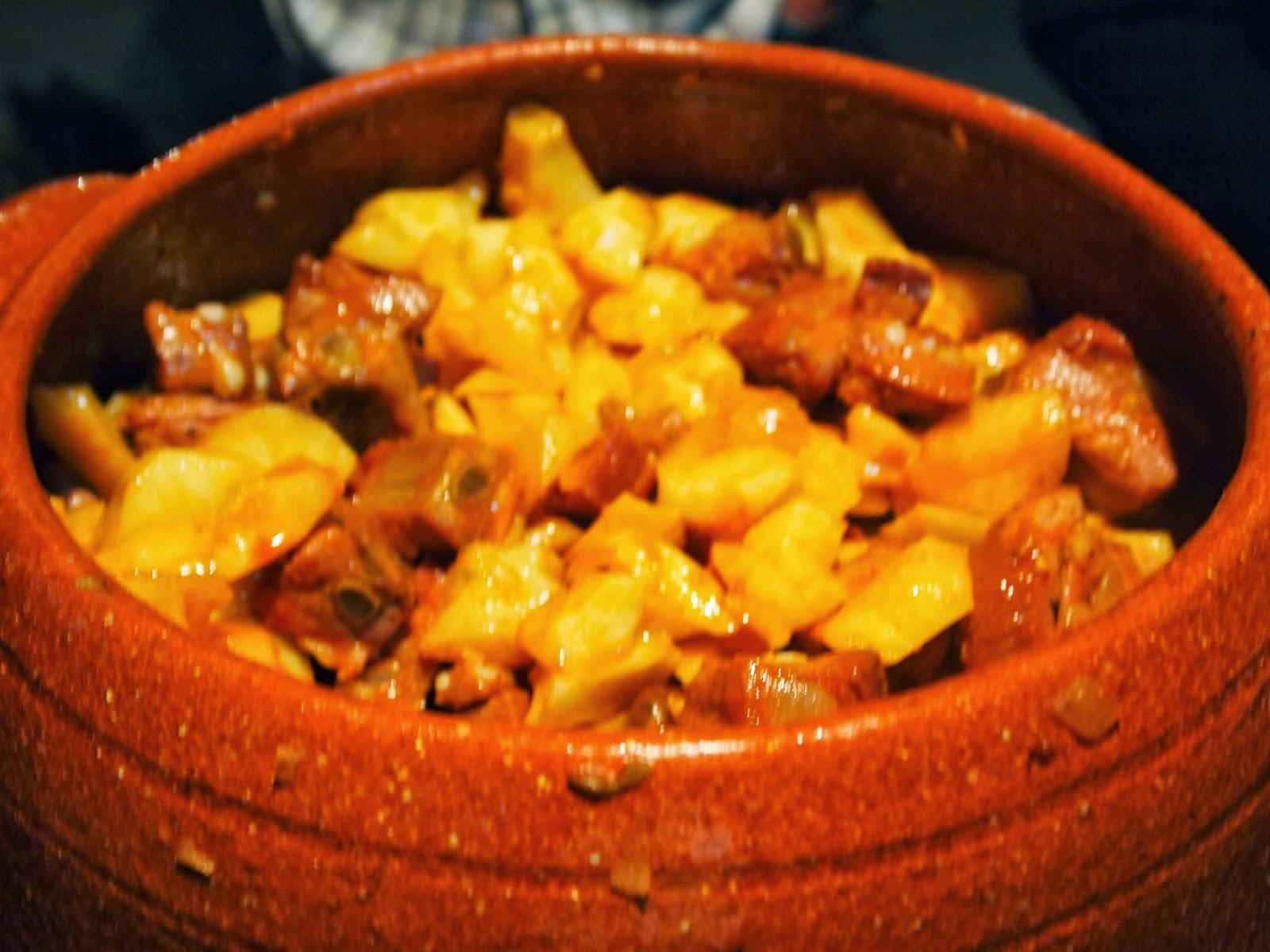 Patatas con costilla en cazuela de pereruela andre ta - Cuanto tarda en cocer una patata ...