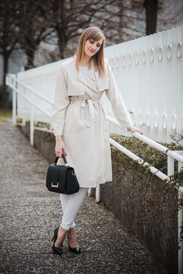 hm beige trench coat extra long, ss 2014 h&M, style blogger, all white outfit, fashion blogger, hm bag 2014, romantic outfit look