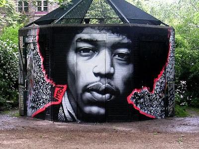 berlin graffiti wall - berlin graffiti artists - photos of paintings