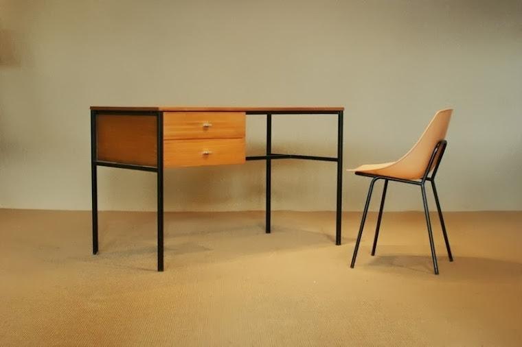 re source mobiler moderniste xx me vintage mid century furniture. Black Bedroom Furniture Sets. Home Design Ideas