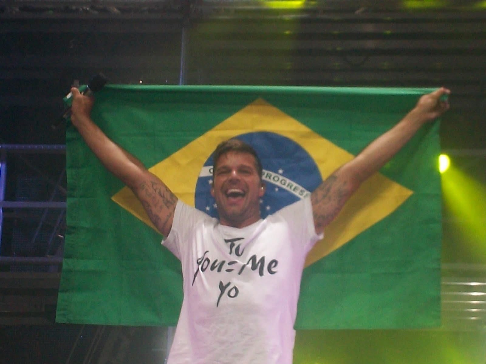 http://2.bp.blogspot.com/-7L38Lp4ofTs/TwH2nIx1DCI/AAAAAAAAC8U/qwOews58Kyw/s1600/ricky+brasil.JPG