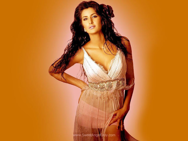 Katrina Kaif Looking Gorgeous in Agneepath as Chikni Chameli Girl