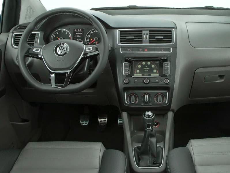 Volkswagen Fox 2015 acabamento interno painel