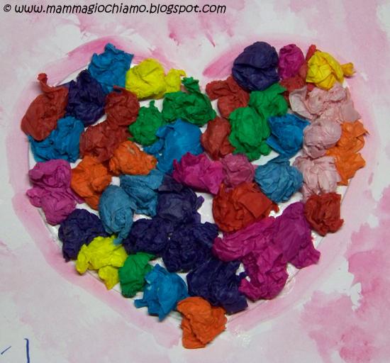 Mamma giochiamo biglietti di san valentino un cuore con palline di carta velina multicolore - Carta crespa decorazioni ...