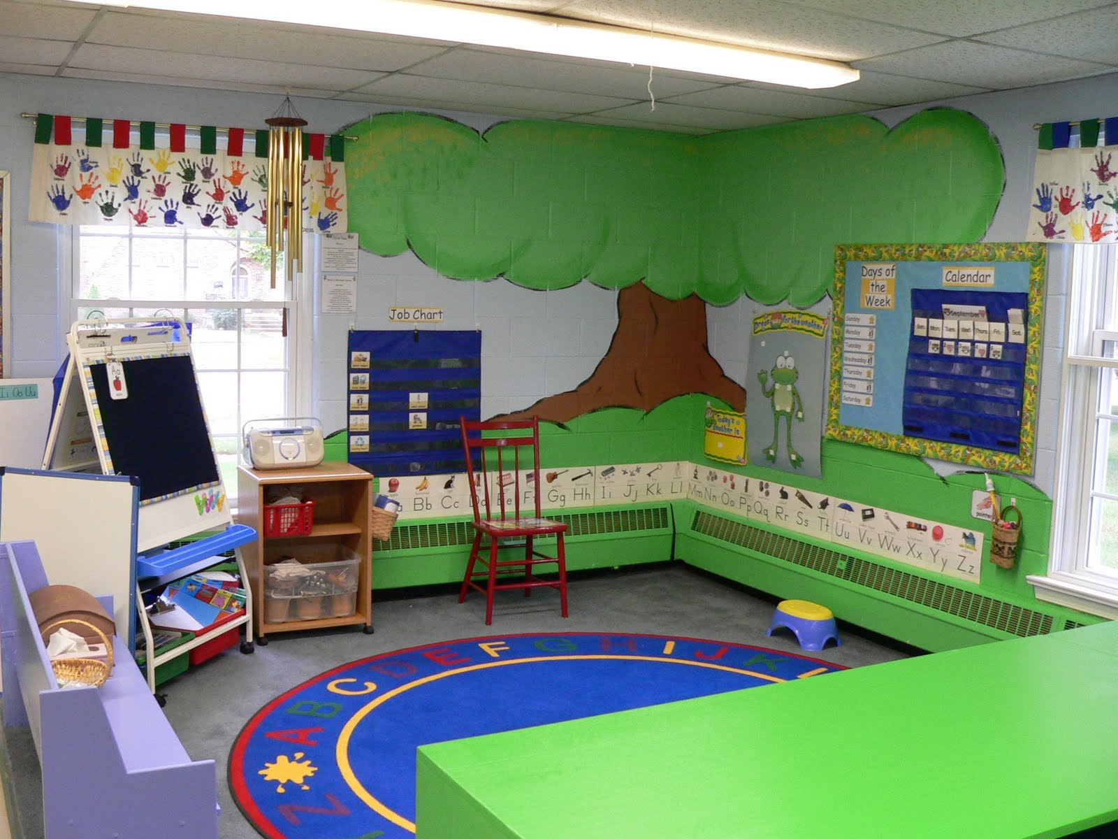 Unique Classroom Design ~ Lesson plans to pots and pans montessori makeover