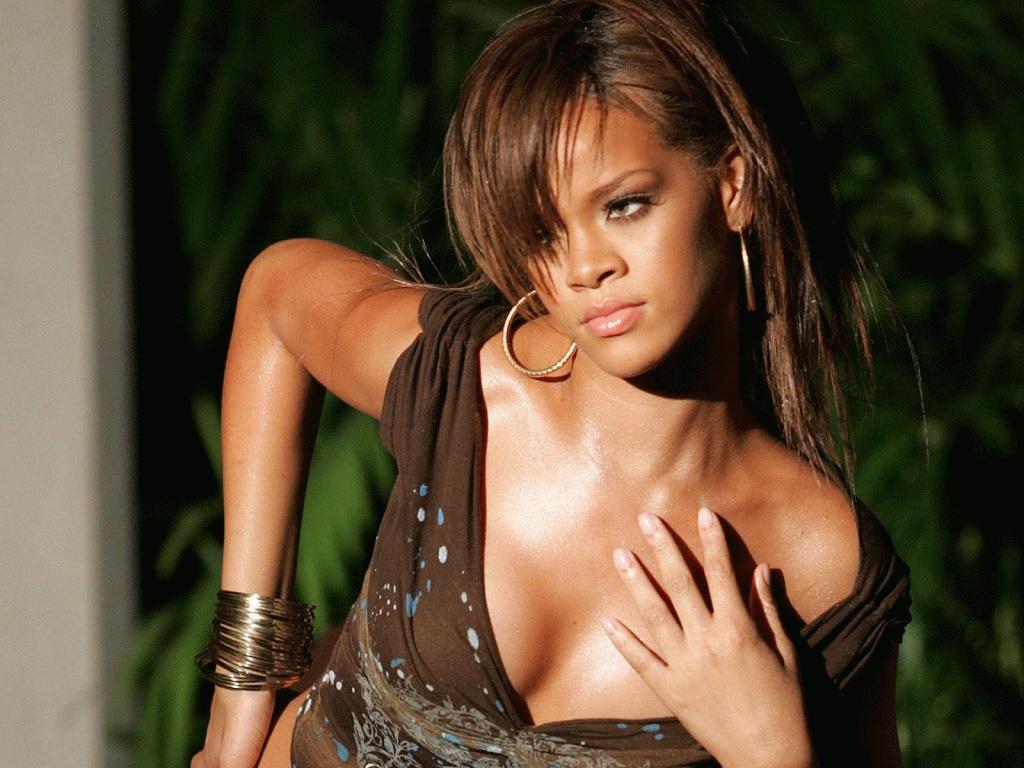 http://2.bp.blogspot.com/-7Lj3T1c4B6E/UKyrAy0wOMI/AAAAAAAAD6s/RAFHG3j2fc4/s1600/Rihanna+New+Hot+HD+Wallpaper+2012-2013+07.jpg
