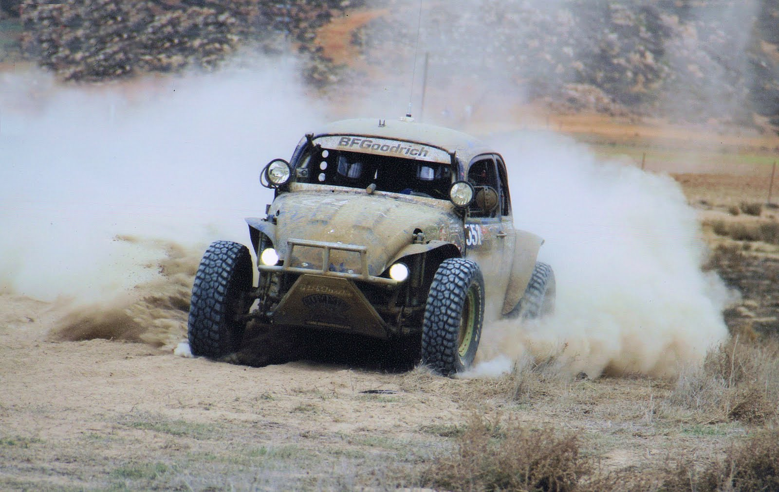 So who do you think was faster at the Baja 500? - 551004