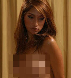 Foto Hot Topless Artis Indonesia Rahma Azhari